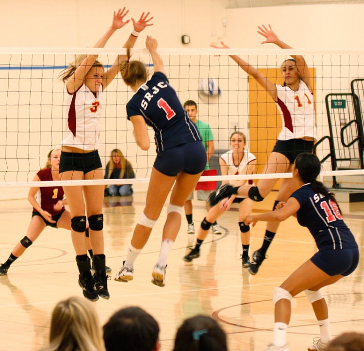 Emily Seros and Stevie Mobley attempt to block a spike from a Santa Rosa player. Kelvin Sanders Sr. | kassr2000@gmail.com