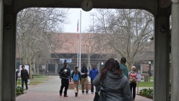 Students walk onto campus despite the foggy morning and clouds in mid-February. Gabrielle Smith | Photo Editor