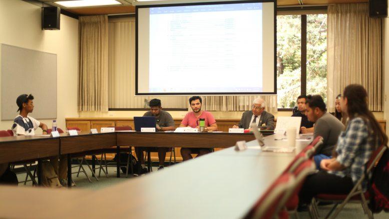 Miguel Guerrero, Student Senate president, runs a meeting. Ulysses Ruiz | Staff Photographer | uruiz.express@gmail.com